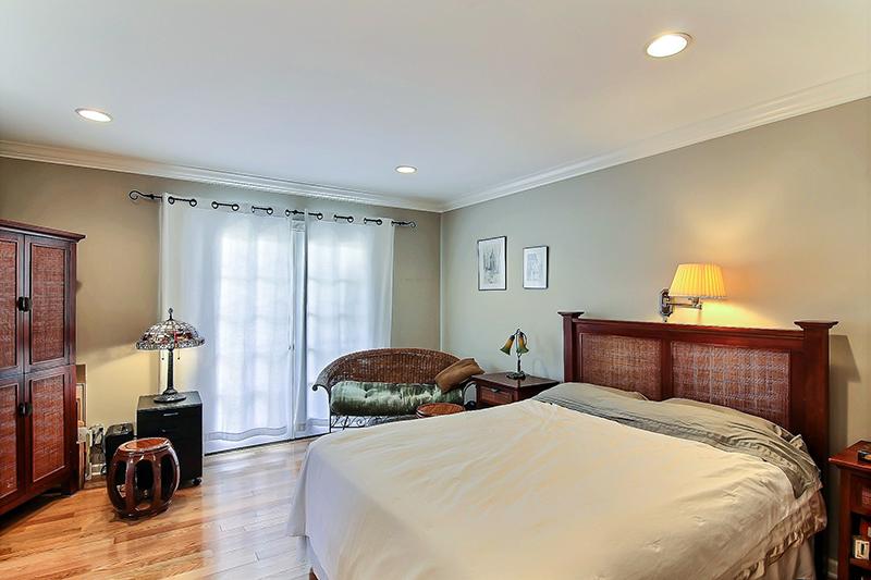 417-Via-Los-Miradores-master-bedroom-1