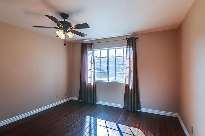 2424-Gramercy-bedroom
