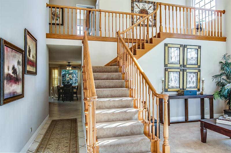 2424-Gramercy-stairs