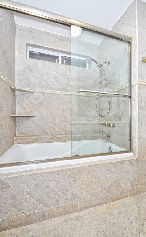 3819-Paseo-De-Las-Tortugas-bathroom-3