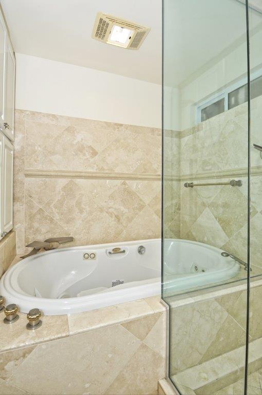 3819-Paseo-De-Las-Tortugas-master-bathroom-shower