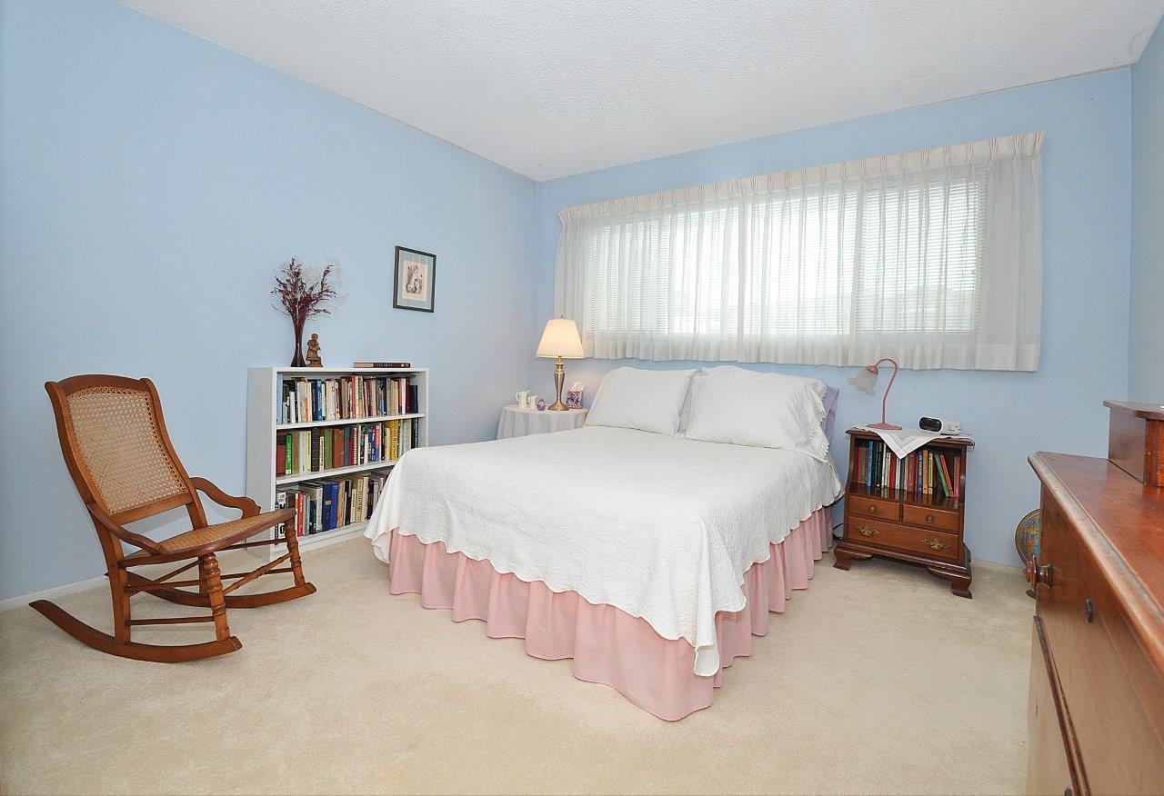 419-Camino-De-Las-Colinas-bedroom2
