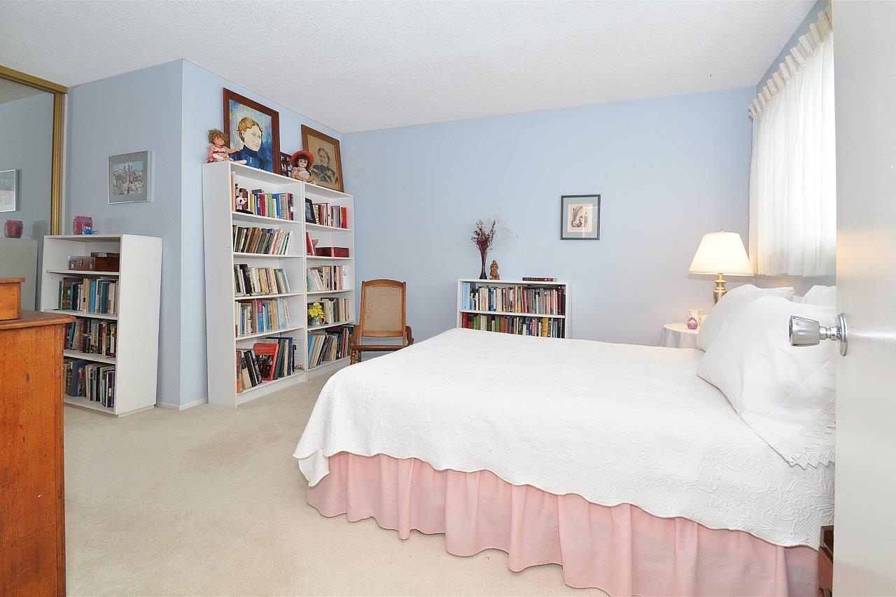 419-Camino-De-Las-Colinas-bedroom2a