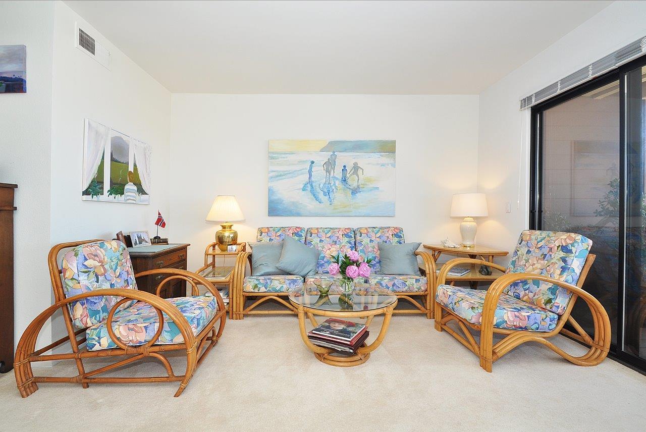 419-Camino-De-Las-Colinas-living-room2
