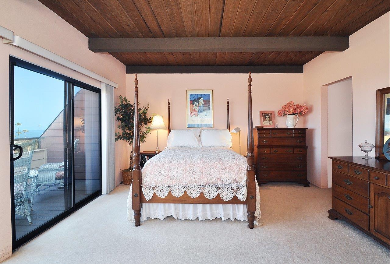 419-Camino-De-Las-Colinas-master-bedroom2