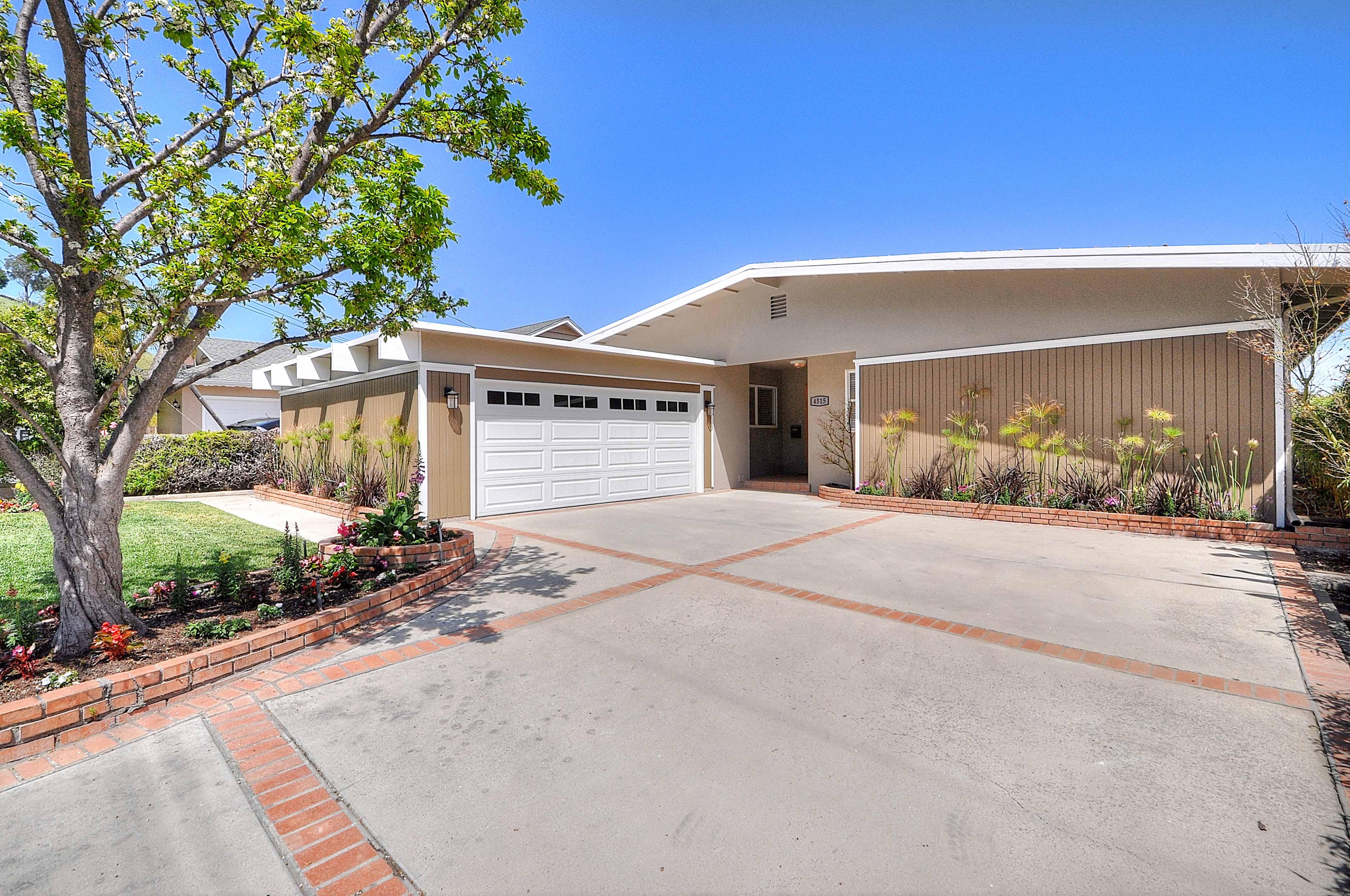 4515-Vista-Largo-front-of-house4-Copy