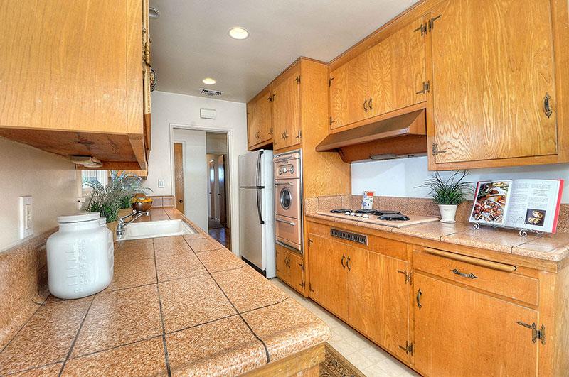 630-Camino-De-Encanto-kitchen2-2