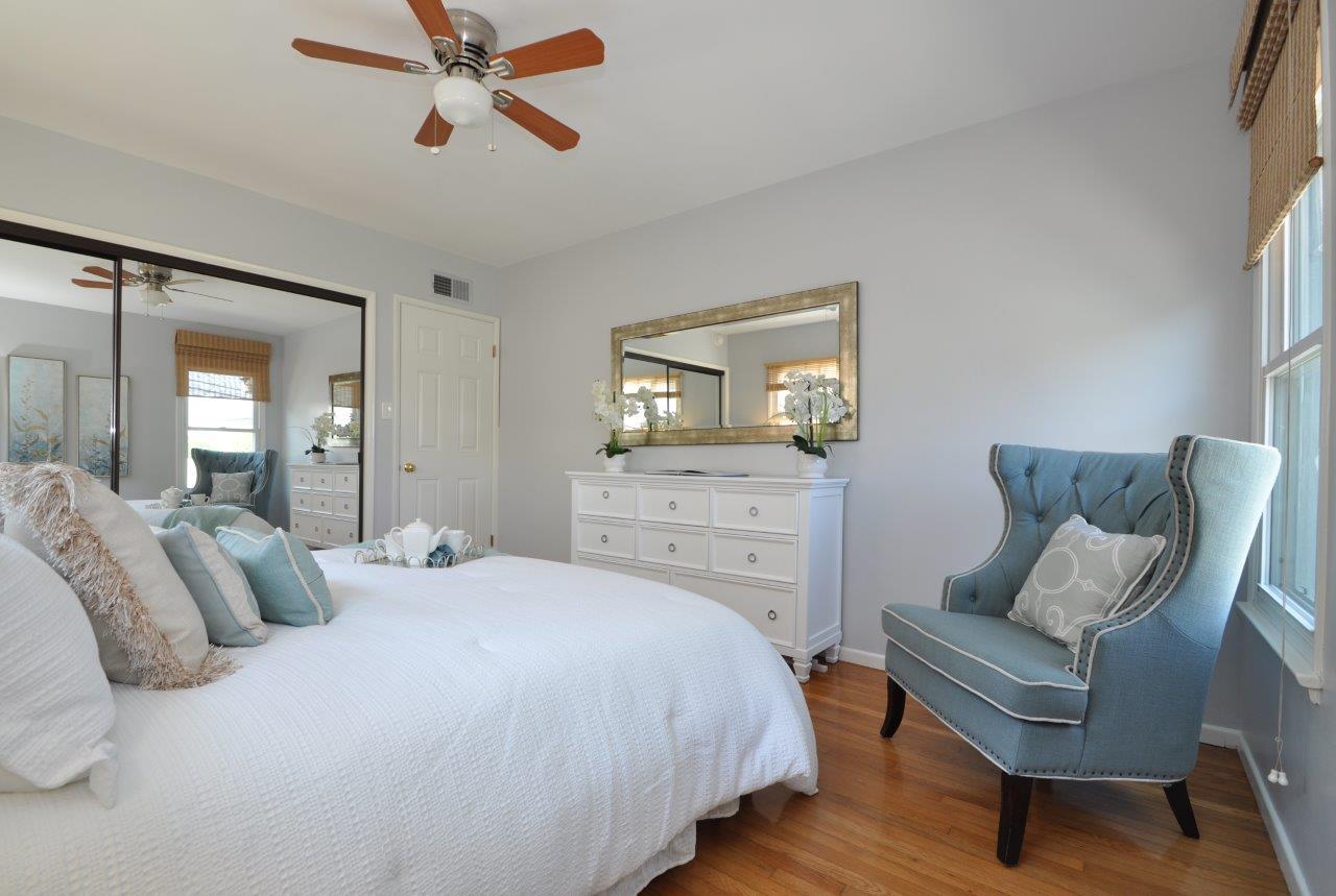17-Bedroom-2-view-2-2