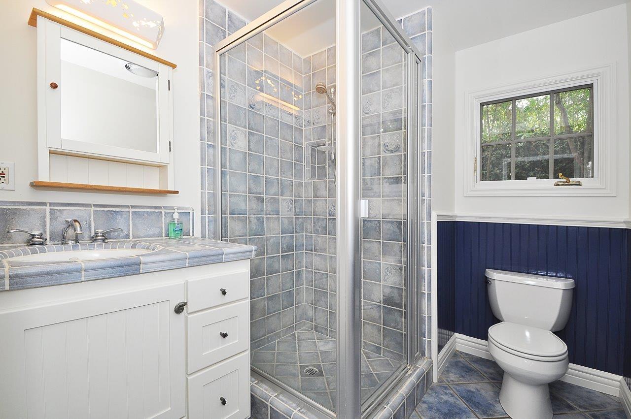 232-Via-Alameda-bathroom-1-downstairs