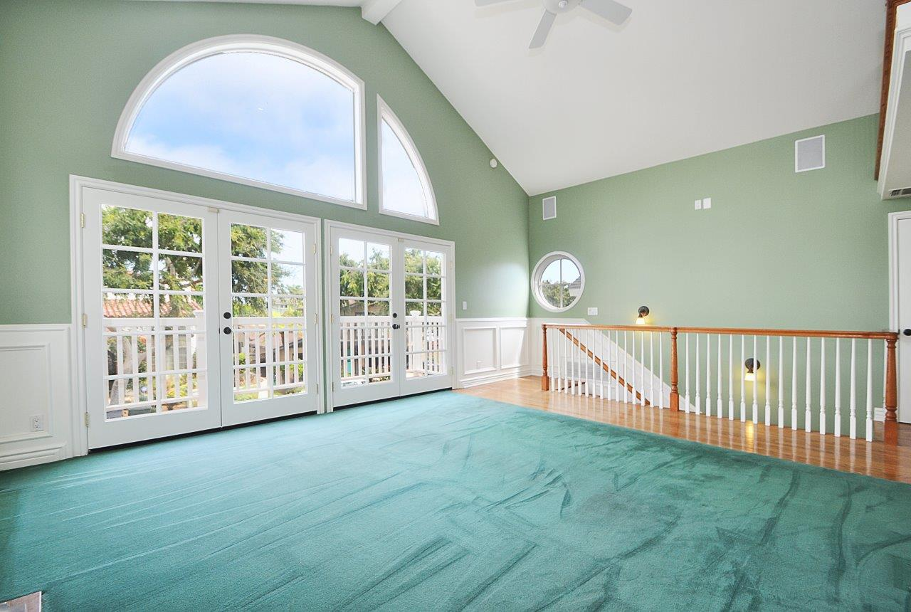 232-Via-Alameda-family-room1-upstairs