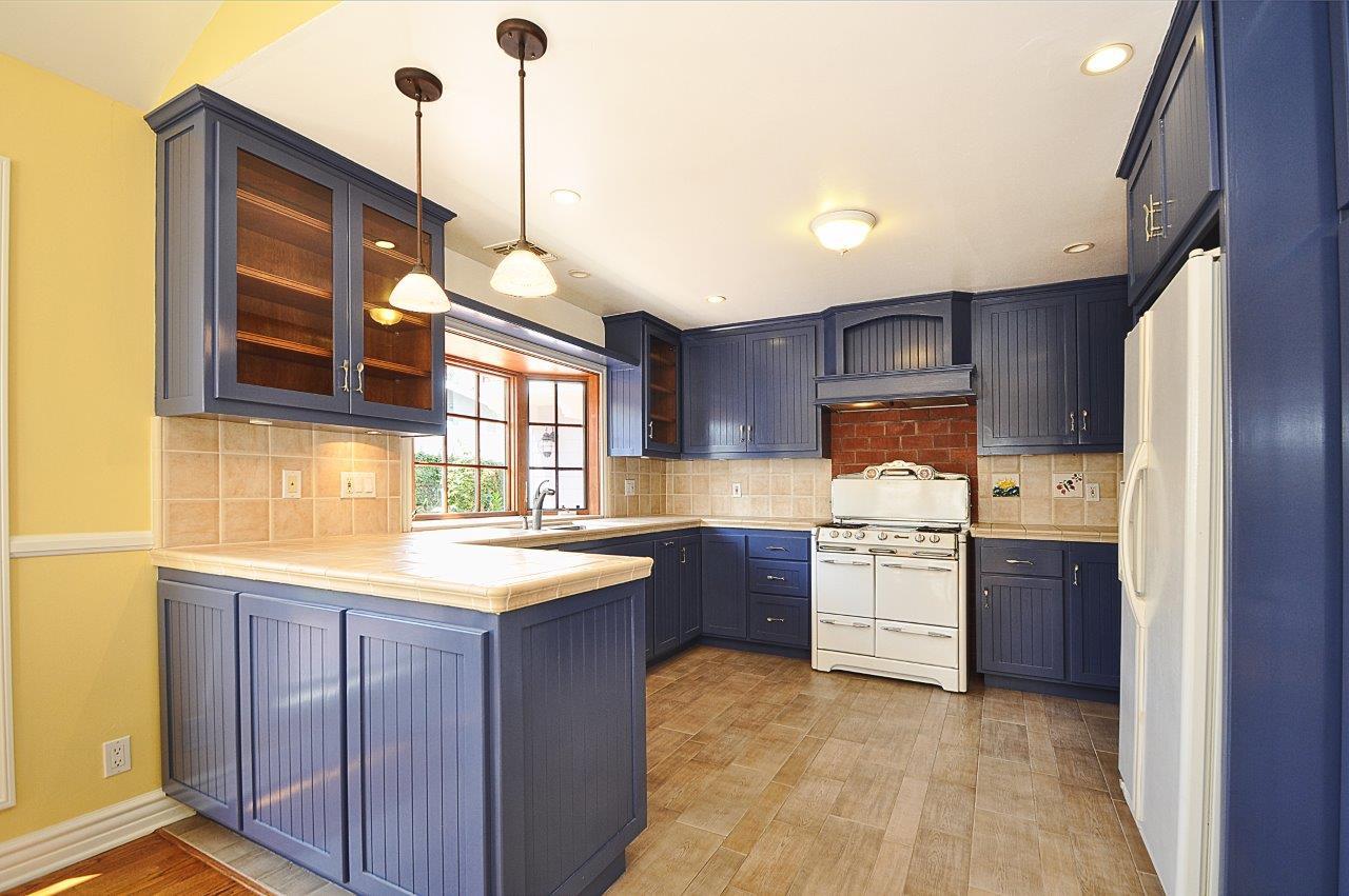 232-Via-Alameda-kitchen1