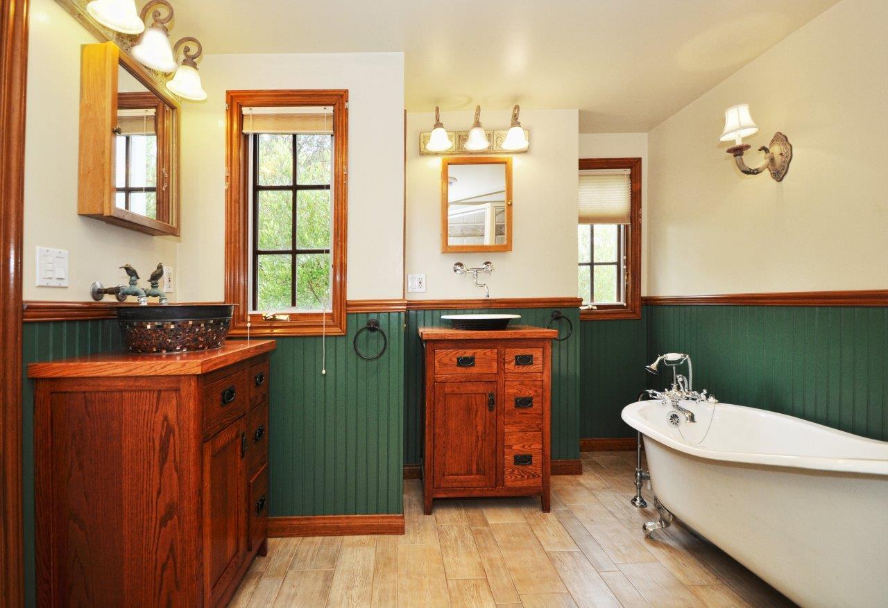 232-Via-Alameda-master-bathroom1