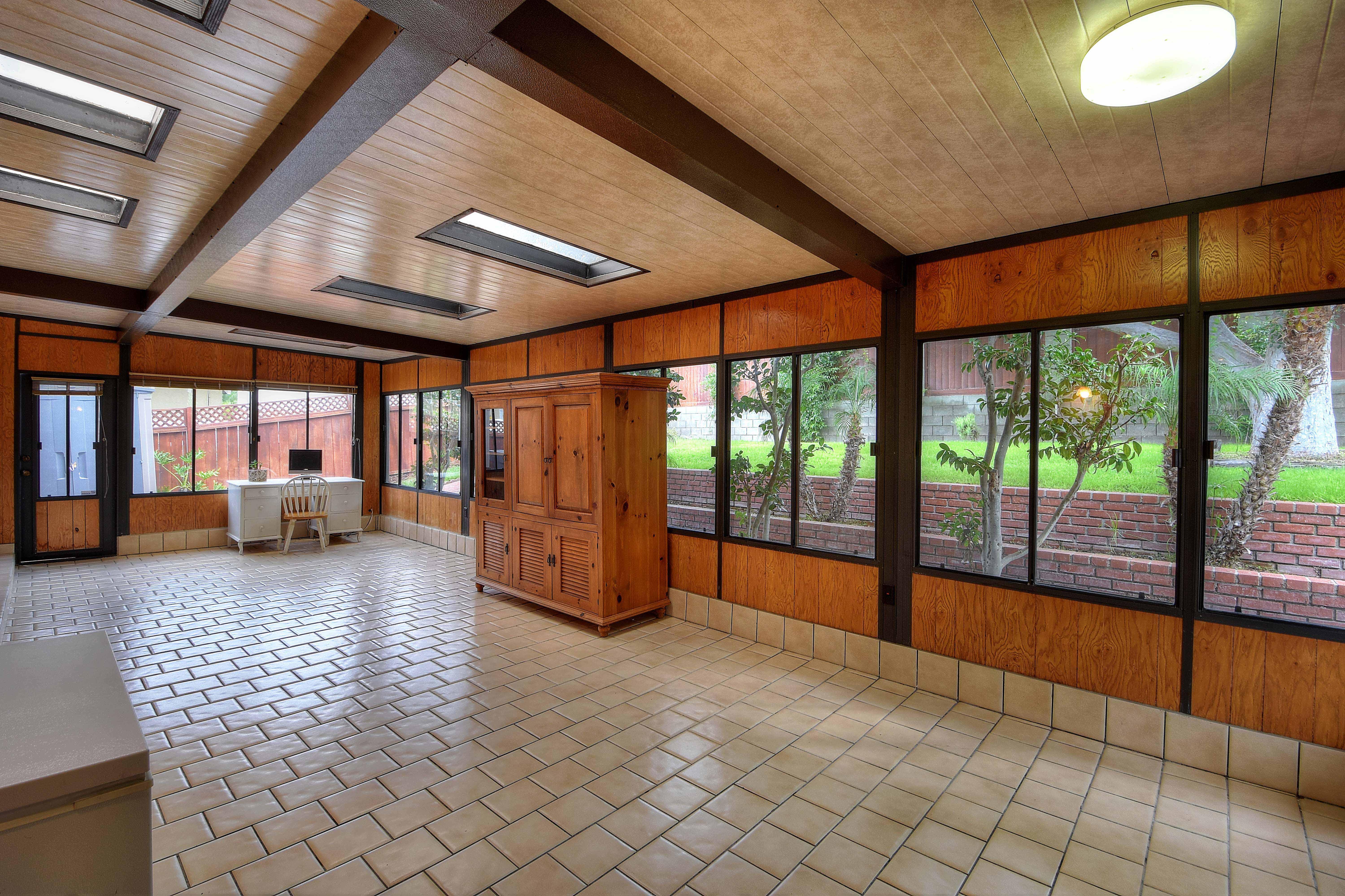 417-Via-Pasqula-enclosed-porch1