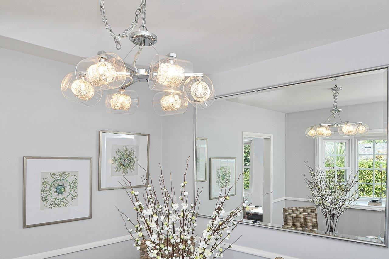 9-Dining-chandelier-close-up-2
