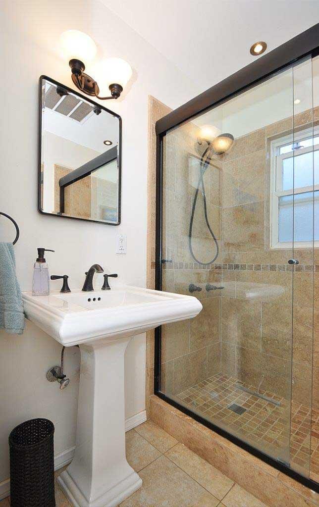1304-21st-street-Bathroom1