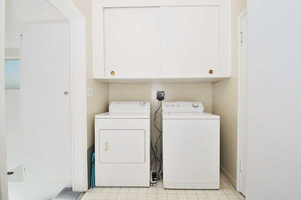 1304-21st-street-Laundry