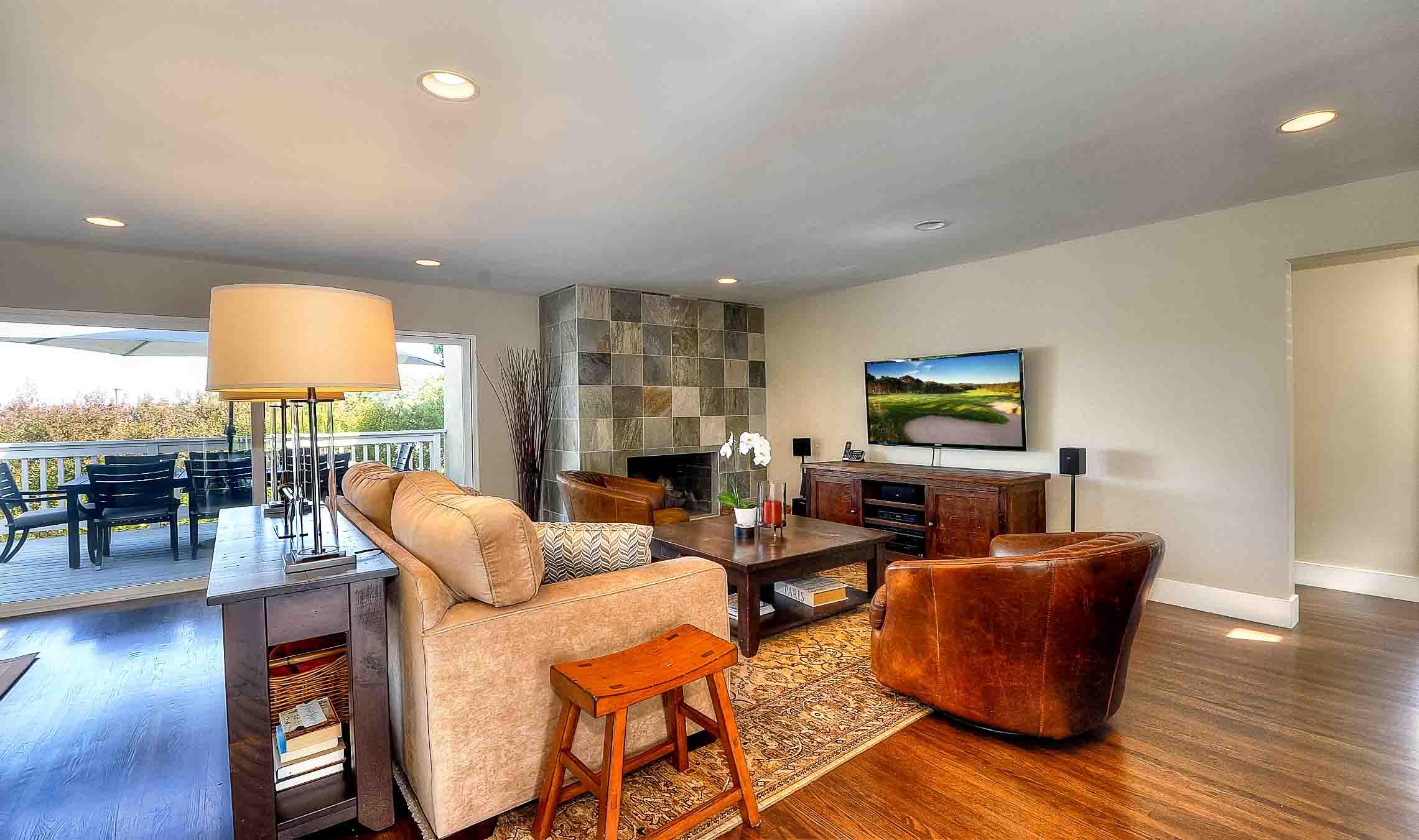 105 Via Los Altos - Living room1