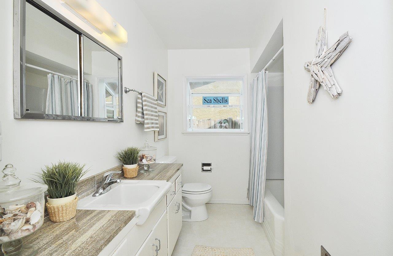 5519-Paseo-De-Pablo-hallway-bathroom-2-Copy