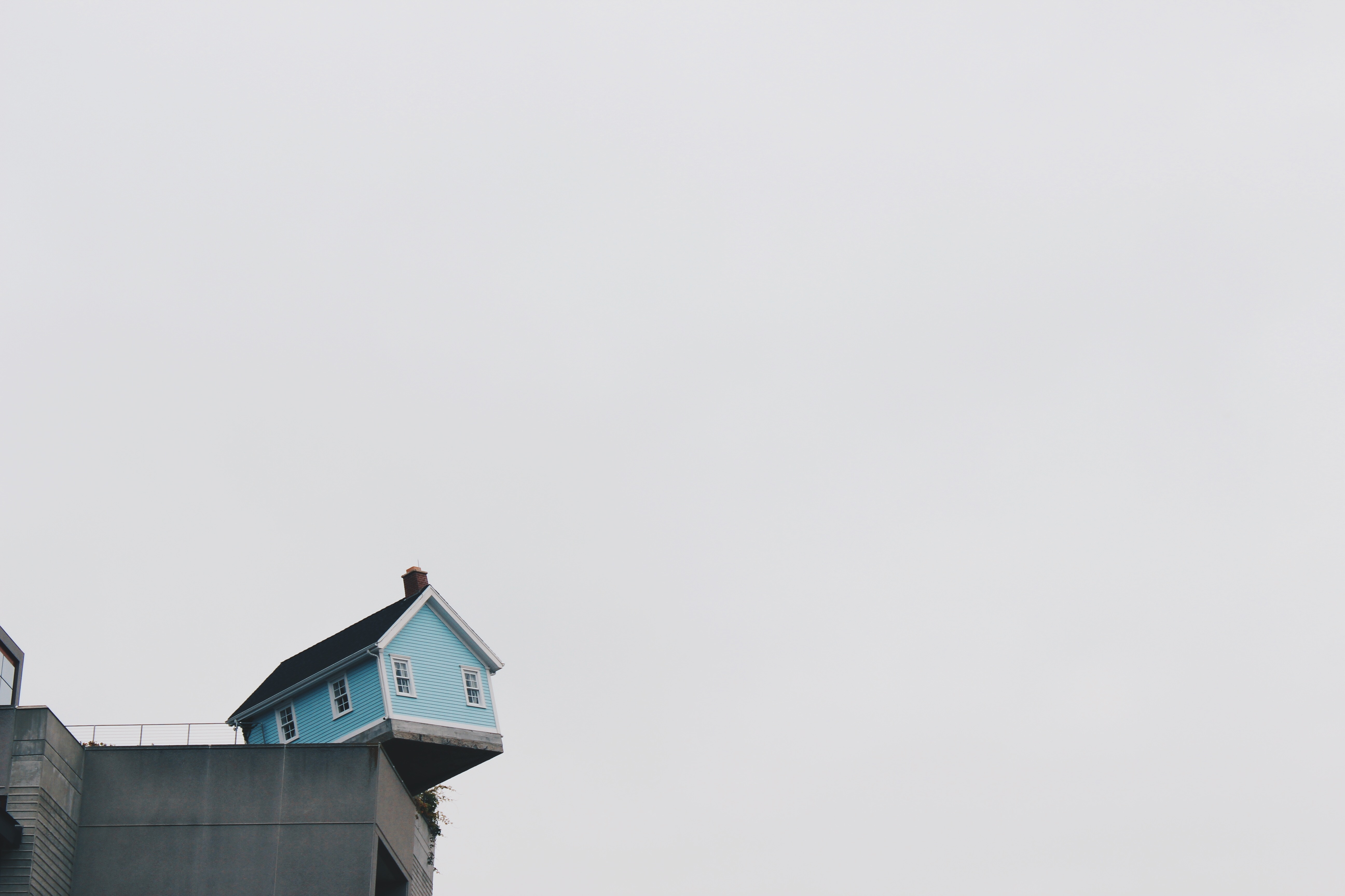 house-on-ledge