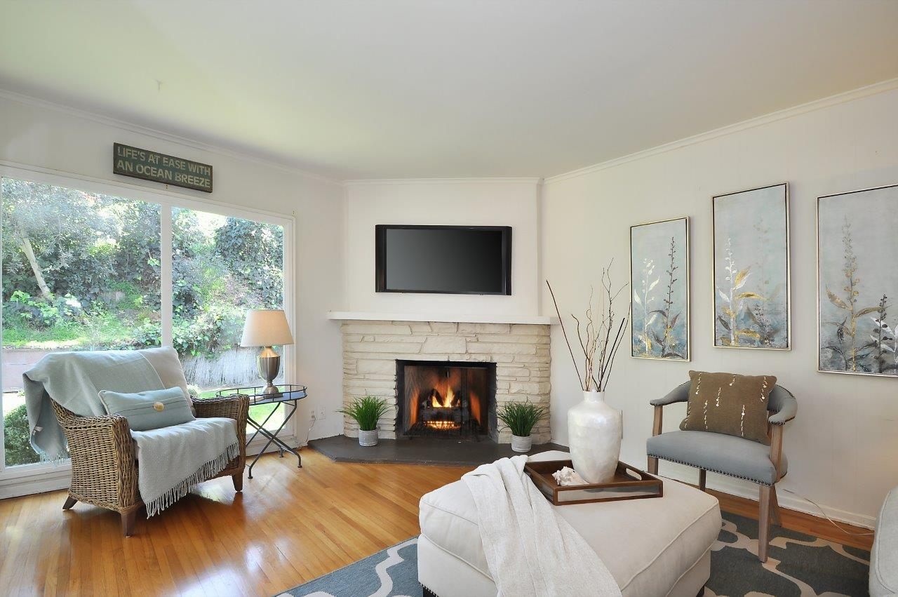 10 Living room fireplace