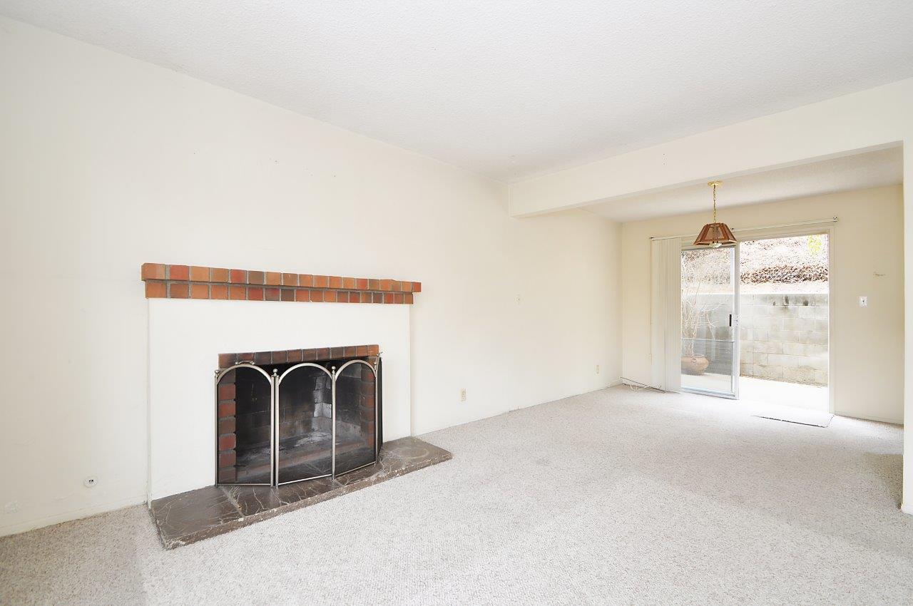 4008 Mesa- Kitchen fireplace