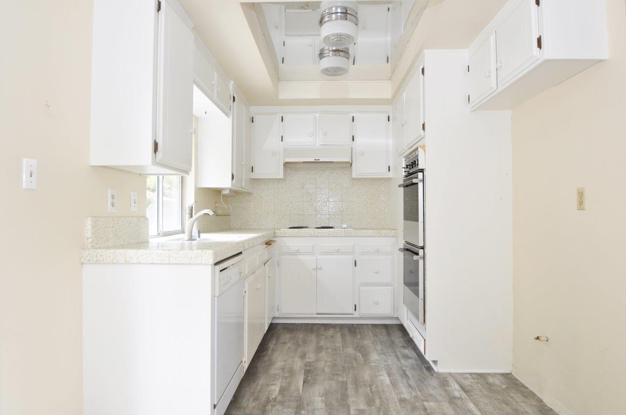 4008 Mesa- Kitchen