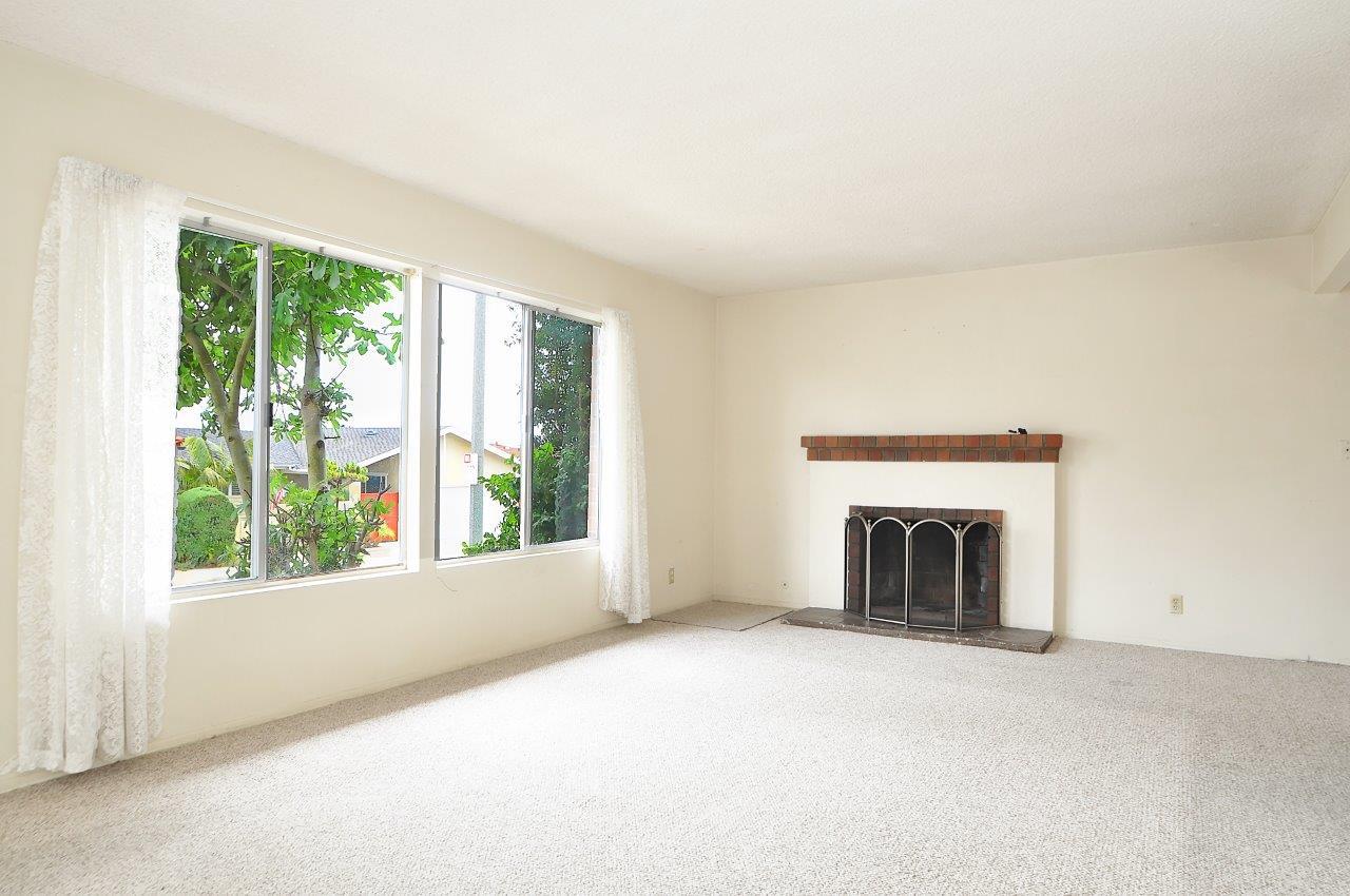 4008 Mesa- Living room
