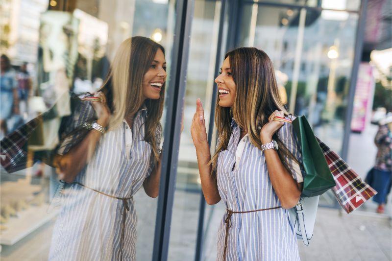 Girl window shopping in Redondo Beach